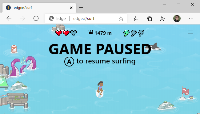 Using an Xbox controller in Microsoft Edge's surfing game.