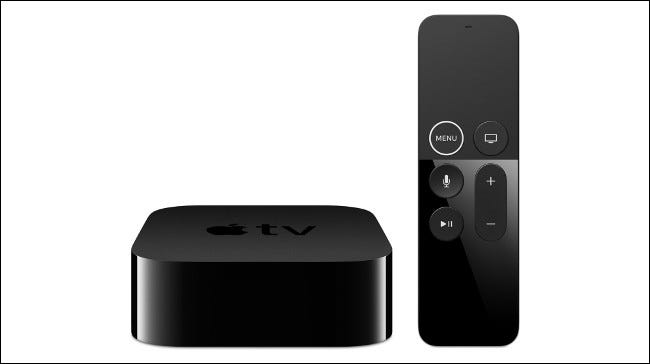 Un Apple TV 4K y control remoto.