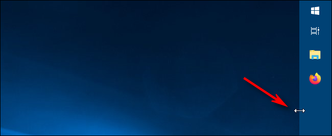 Using the resize cursor to change the width of the taskbar in Windows 10