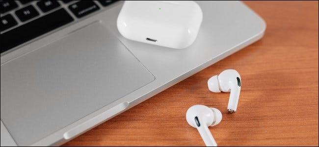 User connecting AirPods and AirPods Pro with Mac
