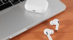 How to Connect Apple AirPods with Mac
