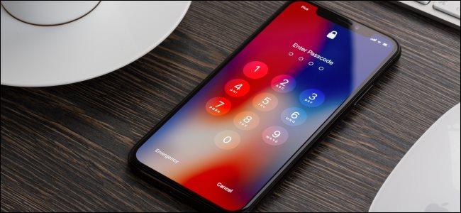 L'écran de verrouillage d'un iPhone X.