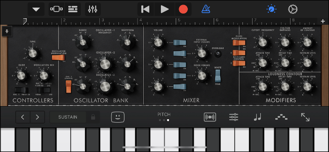 Using Moog Classic Audio Unit in GarageBand