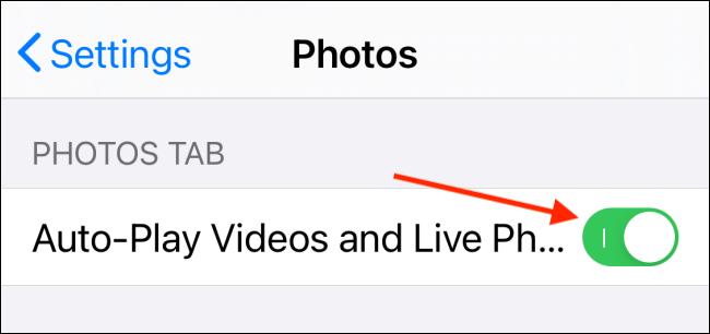 Toque alternar junto a Reproducción automática de videos y Live Photos en iPhone