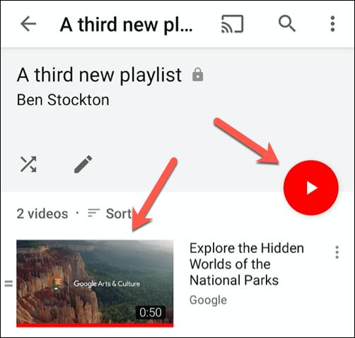 Toque el botón de reproducción o una miniatura de video para comenzar a reproducir ese video en la aplicación de YouTube