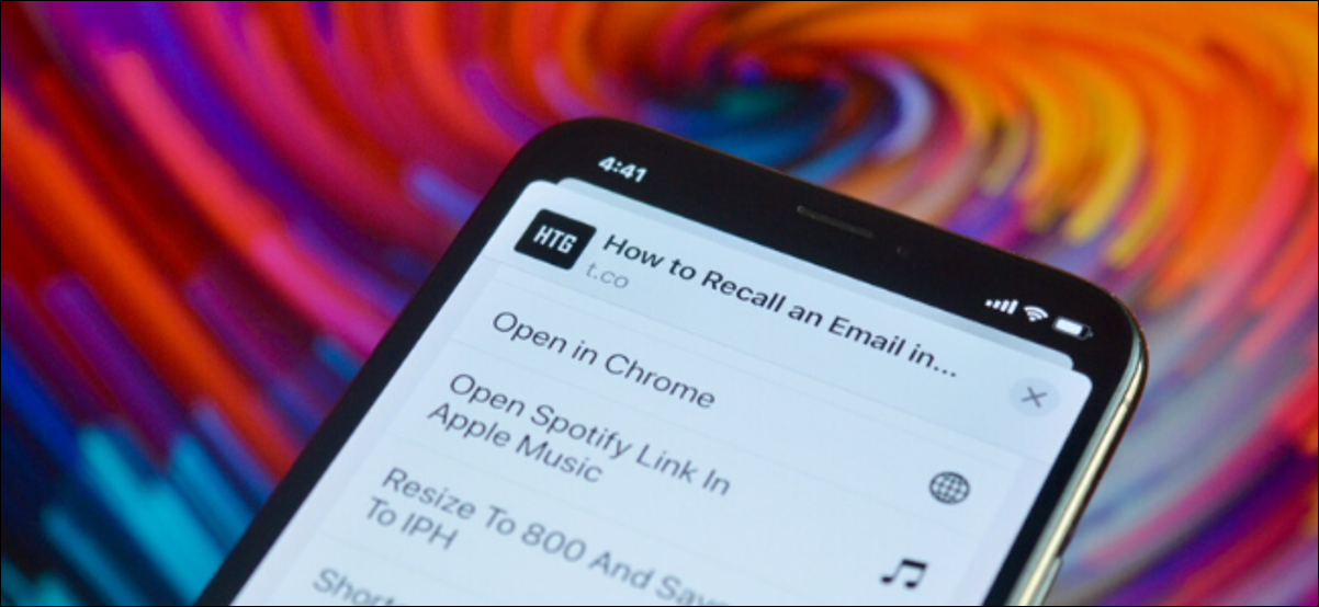 iPhone user opening a link in Chrome