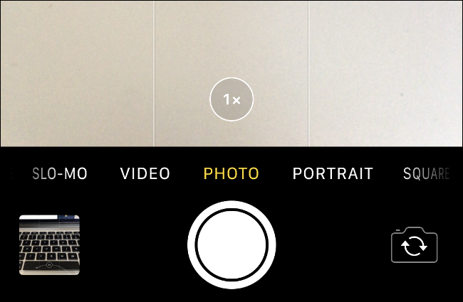 """The """"1x"""" lens option while zooming in on an iPhone."""