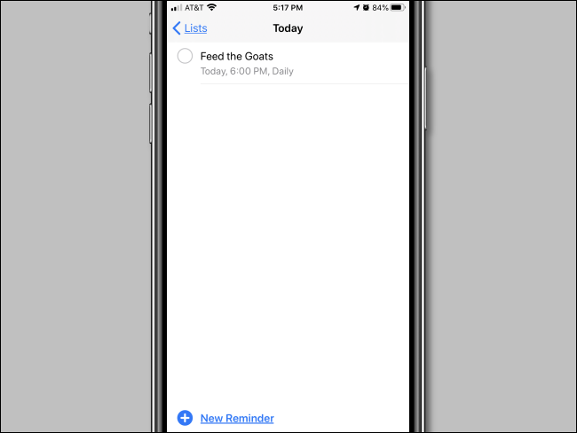 Un recordatorio repetido configurado en la aplicación Recordatorios en iPhone