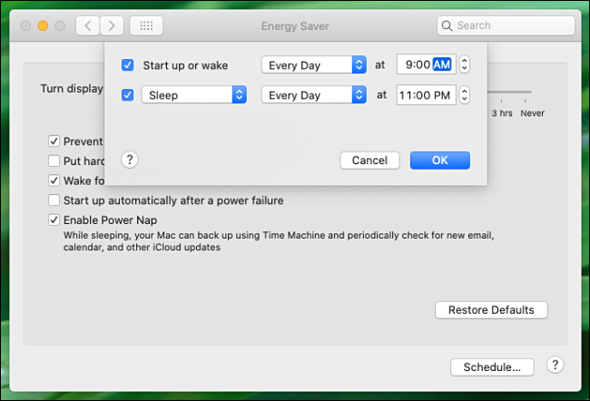 """The automatic startup and shutdown settings in the """"Energy Saver"""" menu."""