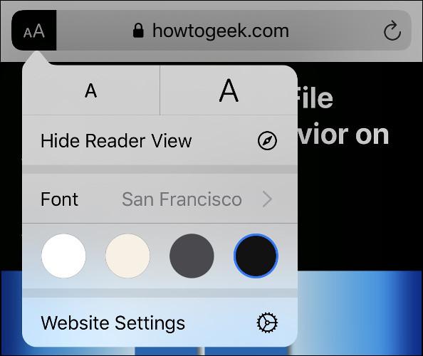 """The """"AA"""" menu options in Safari's Reader View."""