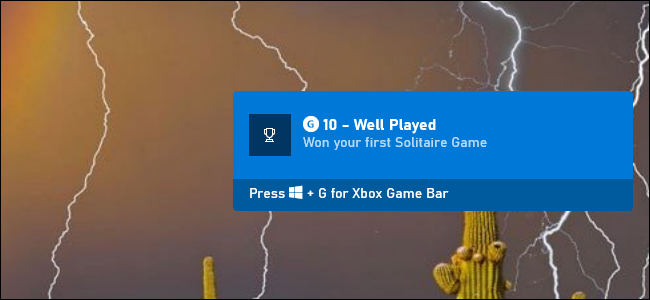 An Xbox achievement notification for Microsoft Solitaire on Windows 10.