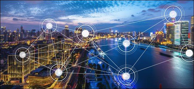 Una ciudad con conexiones de red simbólicas.