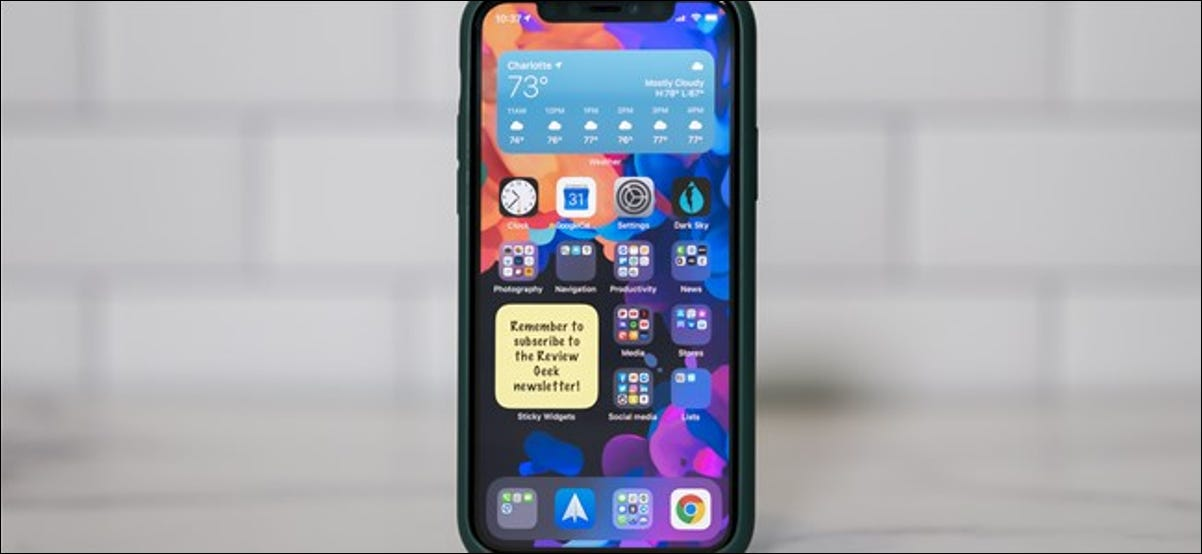 Sticky notes widget on an Apple iPhone