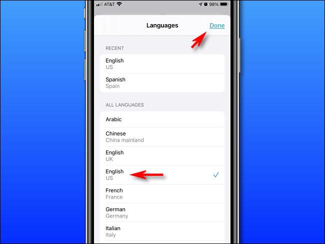 """En Apple Translate en iPhone, seleccione un idioma de la lista y luego toque """"Listo""""."""