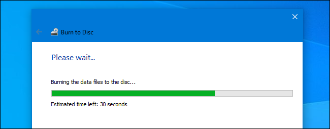 A mastered disc burning in progress in the Windows 10 burn wizard.