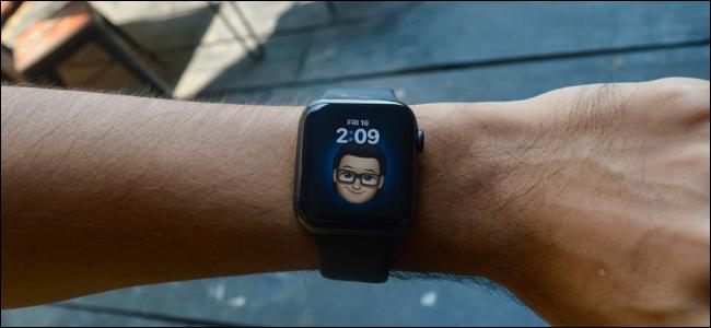 Apple Watch User Using Memoji Watch Face