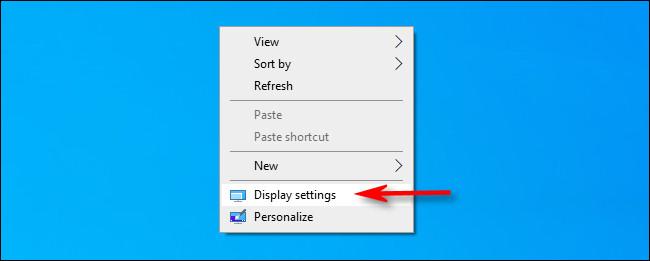 """Botão direito do mouse na área de trabalho e selecione """"Configurações de vídeo""""."""