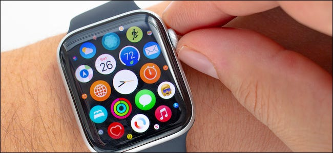 Apple Watch User Rotating the Digital Crown Without Haptic Feedback