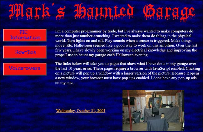 """""""Mark's Haunted Garage"""" GeoCities website featuring an image of his 2001 event.."""