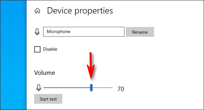 Az Eszköz tulajdonságai képernyőn a hangerő csúszkával állíthatja be a mikrofon bemeneti szintjét.