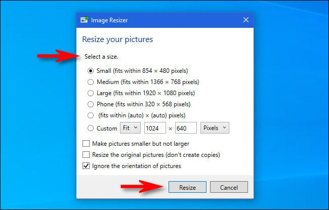 """In the """"Image Resizer"""" window, select a size, then click the """"Resize"""" button."""