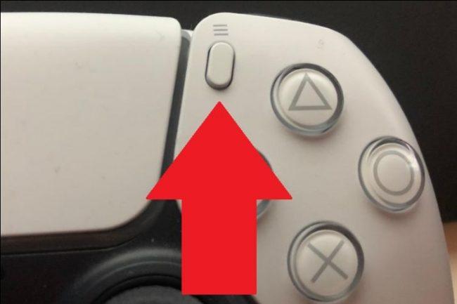 Érintse meg az Opciók gombot a DualSense vezérlőn
