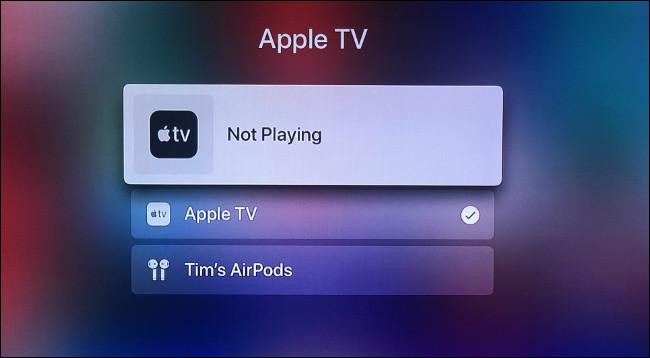 """Passa rapidamente agli AirPods tenendo premuto """"Play"""" sul telecomando"""