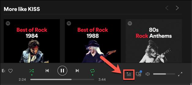 """Чтобы просмотреть свою очередь воспроизведения в настольном клиенте или веб-приложении Spotify, нажмите кнопку """"Очередь"""" значок в правом нижнем углу."""