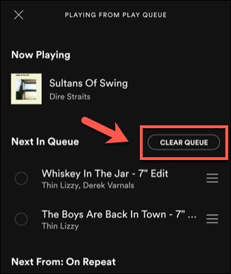 """Чтобы удалить песни, добавленные вручную из очереди Spotify, коснитесь """"Очистить очередь"""" список."""