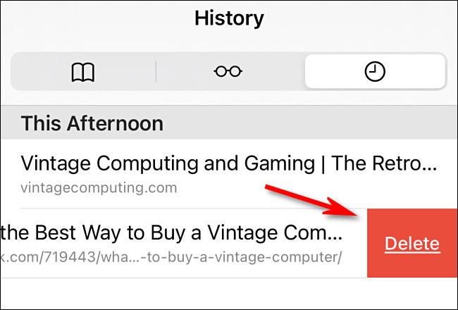 В списке истории Safari вы можете смахнуть любую отдельную запись и удалить ее.