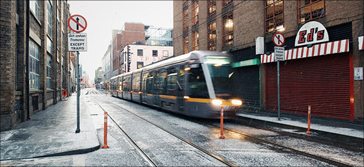 preview image showing tram in snow