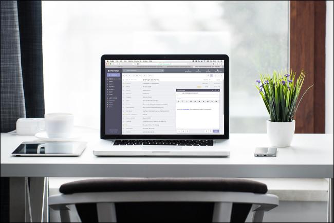 ProtonMail MacBookon