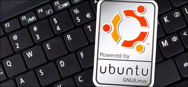 An Ubuntu sticker on a PC keyboard.