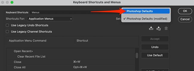 """Sélectionnez """" Paramètres par défaut de Photoshop """" dans le menu déroulant """" Définir """" dans Photoshop."""