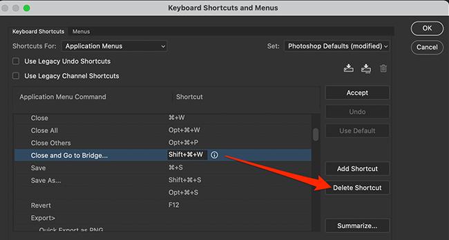 """Sélectionnez """"Supprimer le raccourci"""" dans la fenêtre """"Raccourcis clavier et menus"""" de Photoshop."""