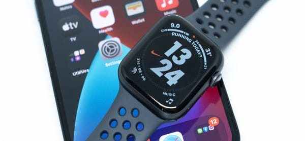 apple-watch-and-iphone.jpg?width=600&hei