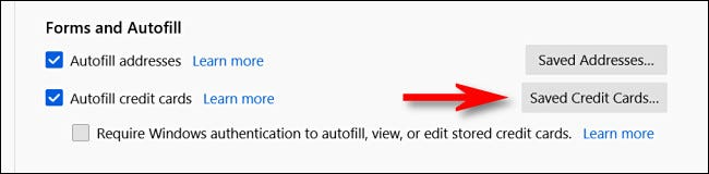 """В настройках конфиденциальности и безопасности в Firefox нажмите """"Сохраненные кредитные карты."""""""