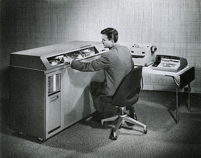 An IBM 610 computer