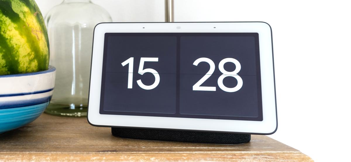 google nest hub fullscreen clock