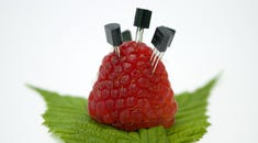How to Make Your Raspberry Pi Look Like Windows or macOS