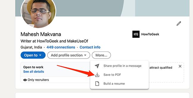 """Выбирать """"Сохранить в PDF"""" на странице профиля LinkedIn."""