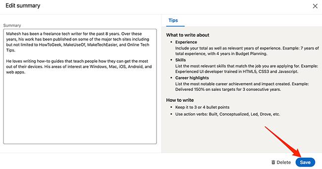 """Выбирать """"Сохранить"""" для сохранения изменений, внесенных в раздел на экране инструмента создания резюме LinkedIn."""