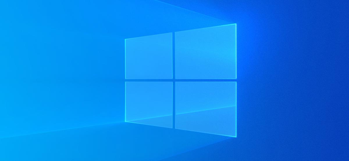 Windows 10's light desktop background.