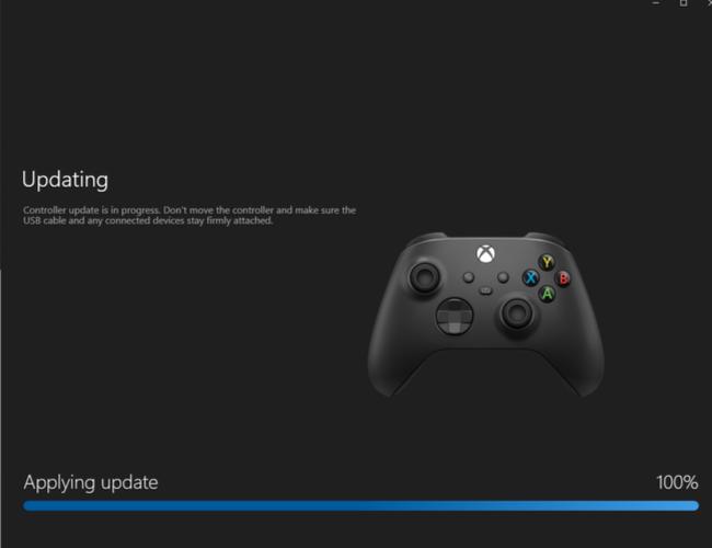 Загрузка обновления программного обеспечения для беспроводного геймпада Xbox с помощью приложения Xbox Accessories на ПК