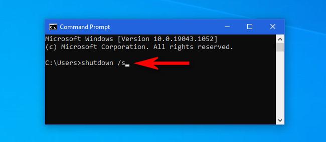 """В окне командной строки Windows 10 введите """"выключение / с"""" и нажмите Enter."""