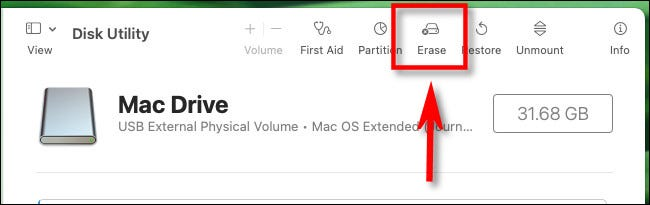 "В Дисковой утилите Mac нажмите ""Стереть"" на панели инструментов."