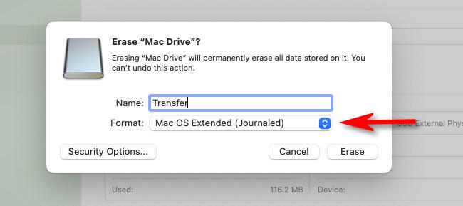 """В Дисковой утилите Mac щелкните раскрывающееся меню с надписью """"Формат."""""""