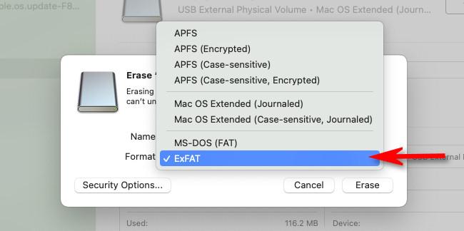 """В списке форматов файловой системы Дисковой утилиты выберите """"exFAT."""""""