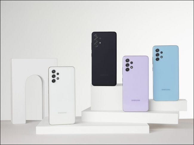 Multiple Samsung A32 devices on a pedestal