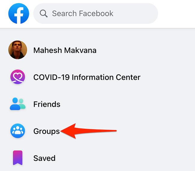 """Clique em """"Grupos"""" no site do Facebook."""